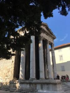 Pula 5 - hram