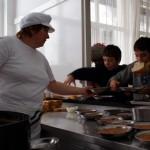 podravina i bilogora, mikleus, 18.02.2010. kuharica stefica hlavacek za vrijeme skolskih odmora ima pune ruke posla - ucenici u os mikleus odusevljeni su kuhanom hranom koju im priprema sa puno ljubavi snimila: marija lovrenc